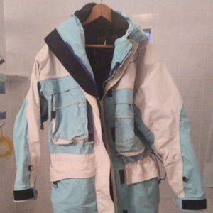 Hot Snowboard Jacket. THIS IS A GREAT JACKET
